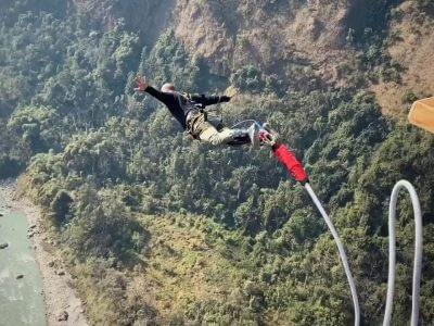 kusma bungee . over the kaligandaki river.